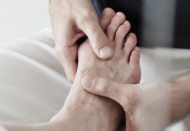 Vương Gút Khang có tác dụng hỗ trợ điều trị các triệu chứng bệnh gút