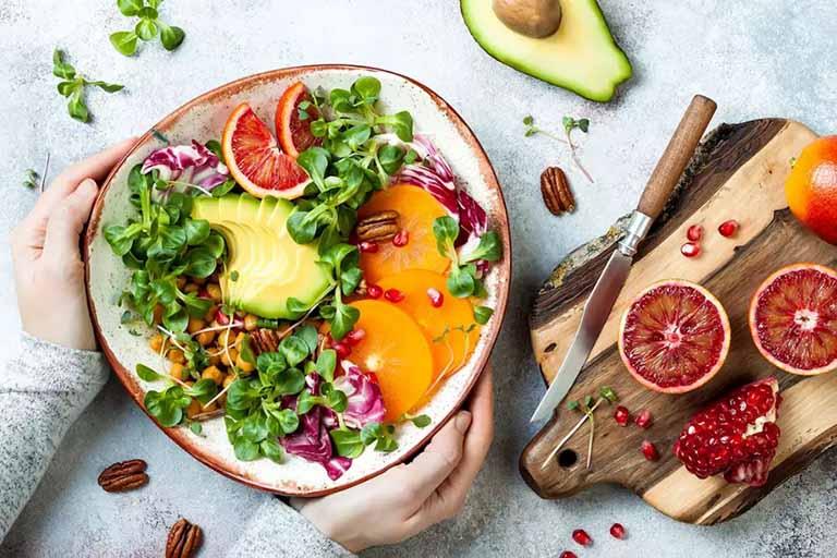 Ăn uống khoa học là một trong những cách giúp hỗ trợ điều trị bệnh xuất huyết dạ dày khá tốt