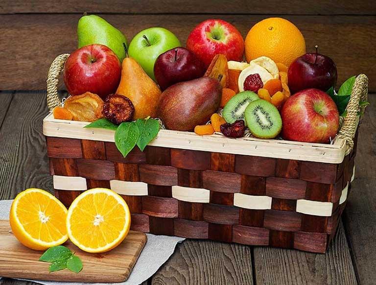 Bà bầu nên ăn trái cây tươi để hỗ trợ đầy lùi các triệu chứng của bệnh táo bón