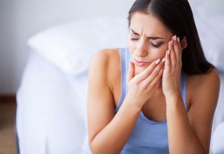 Đau răng hàm gây khó chịu và phiền toái trong cuộc sống