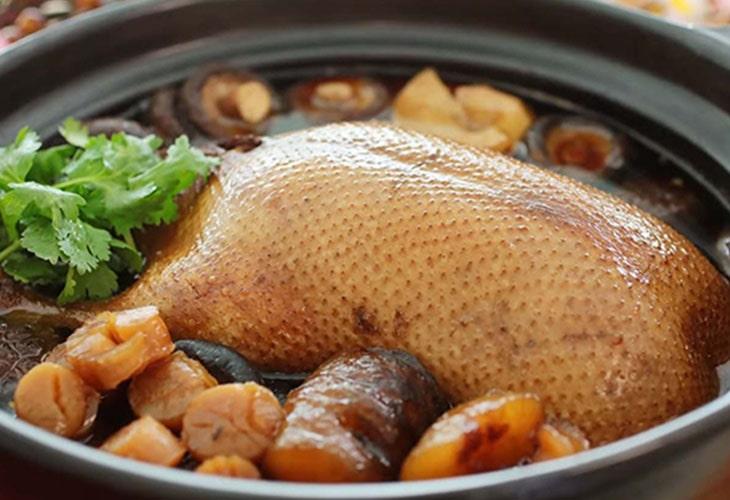 Thịt vịt theo Đông y có tác dụng bổ huyết, dưỡng âm và rất giàu dinh dưỡng, tốt cho sức khỏe sinh lý