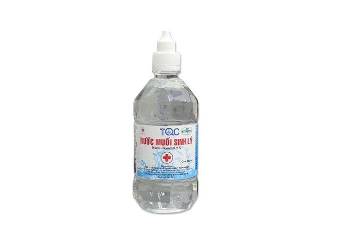 3 ngày sau khi điều trị chị em có thể dùng nước muối sinh lí để rửa mặt
