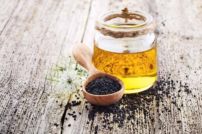 Trị táo bón cấp tốc tại nhà bằng hỗn hợp mật ong nguyên chất và vừng đen