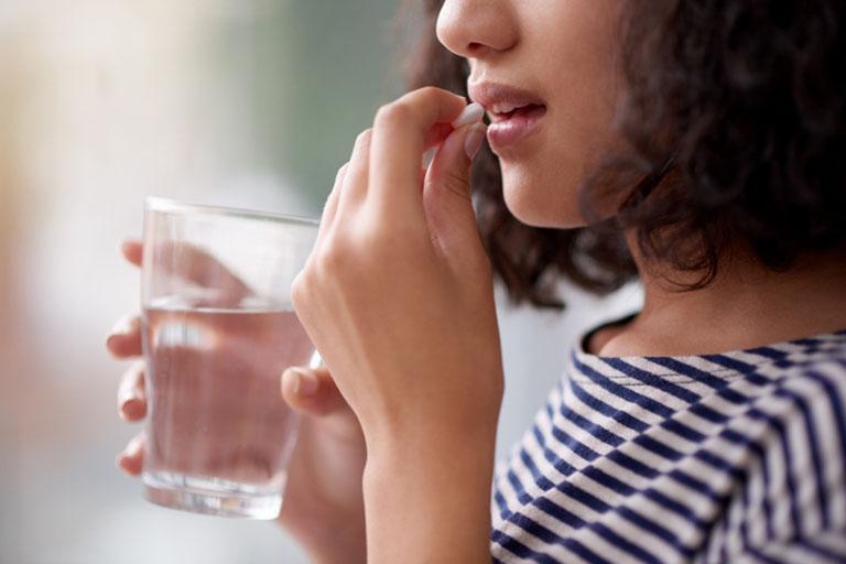 Uống thuốc nhuận tràng giúp đi tiêu dễ dàng và nhanh chóng hơn