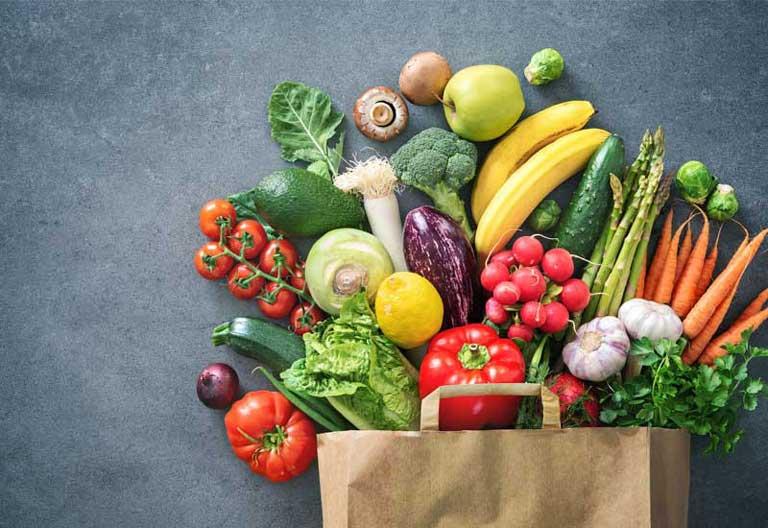 Nên bổ sung các loại rau củ quả vào chế độ ăn hằng ngày