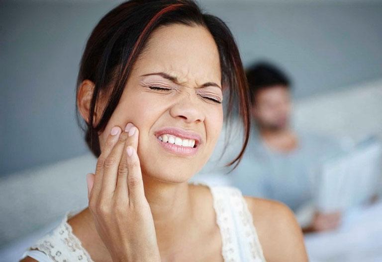 Răng hàm bị đau nhức ảnh hưởng rất nhiều đến cuộc sống và sinh hoạt