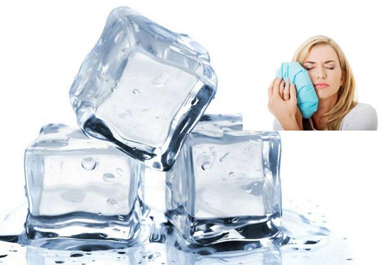 Chườm đá lạnh mang lại hiệu quả giảm đau tạm thời