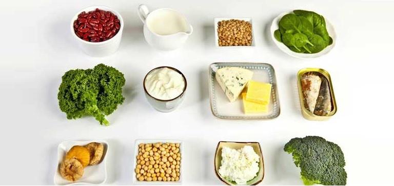 Bổ sung các thực phẩm giàu đạm và canxi mỗi ngày để bảo vệ răng khôn