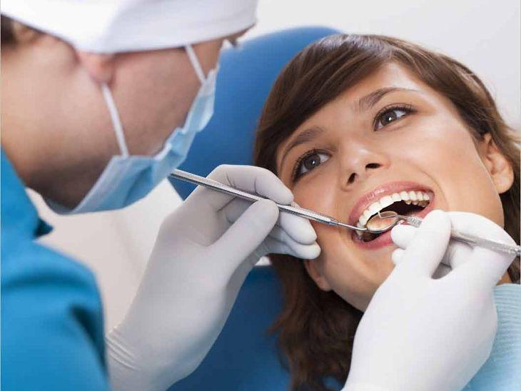 Niềng răng khểnh phải trải qua quy trình thăm khám và thực hiện cẩn thận