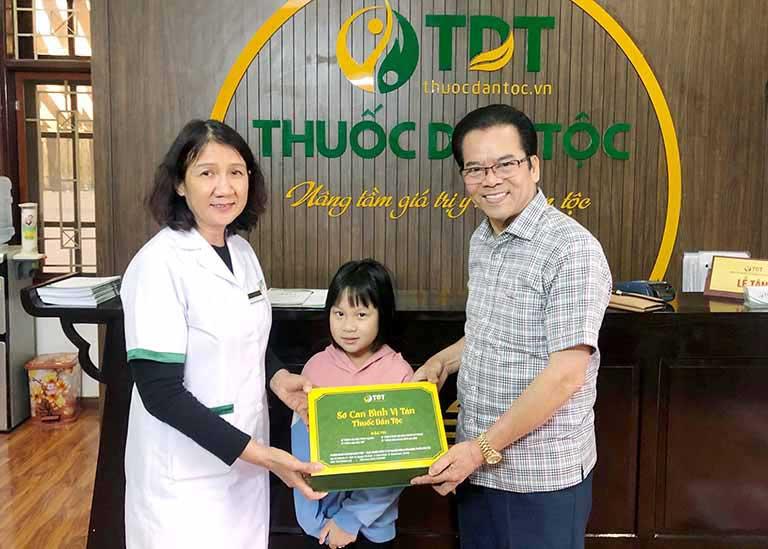 NSND Trần Nhượng tin tưởng cùng cháu gái đến điều trị dạ dày tại Thuốc dân tộc