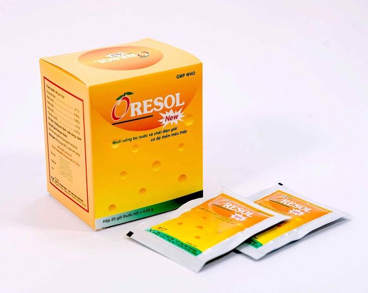 Nước điện giải oresol có bán tại các quầy tân dược đóng gói bột dạng túi