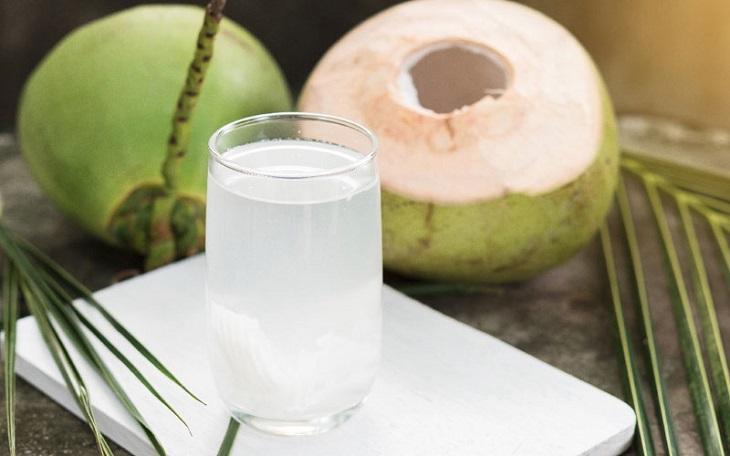Nước dừa chữa viêm hang vị
