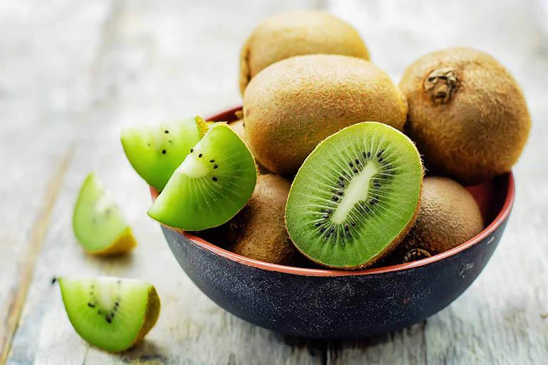 Kiwi mang lại nhiều lợi ích cho sức khỏe nói chung và hệ tiêu hóa nói riêng