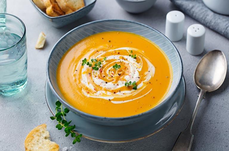 Đi đại tiện dễ hơn với món súp khoai lang nấu thịt bằm