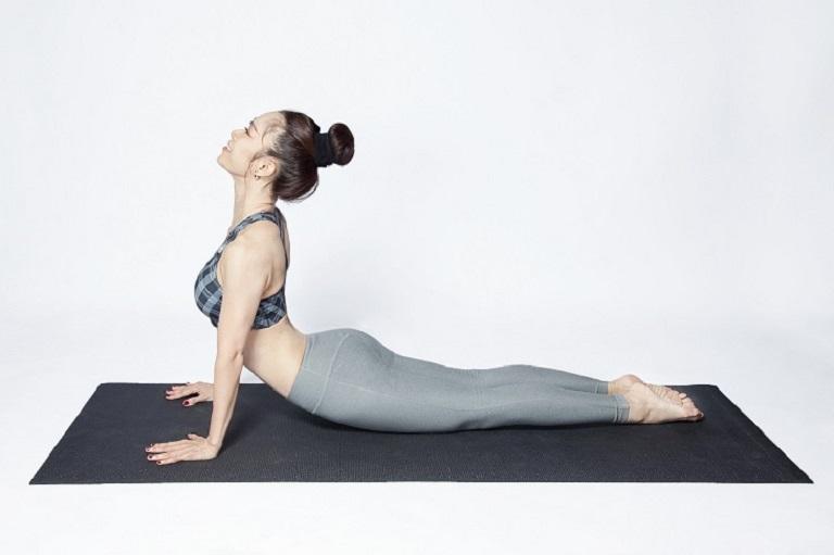 Bài tập yoga giảm triệu chứng thoát vị đĩa đệm