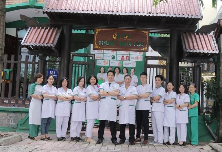 Hình ảnh đội ngũ y bác sĩ tại Thuốc dân tộc