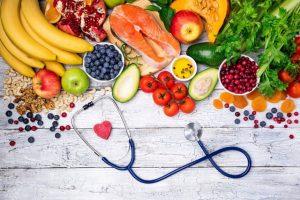 Nam giới nên xây dựng chế độ dinh dưỡng hợp lý để cải thiện tình trạng tinh trùng yếu.