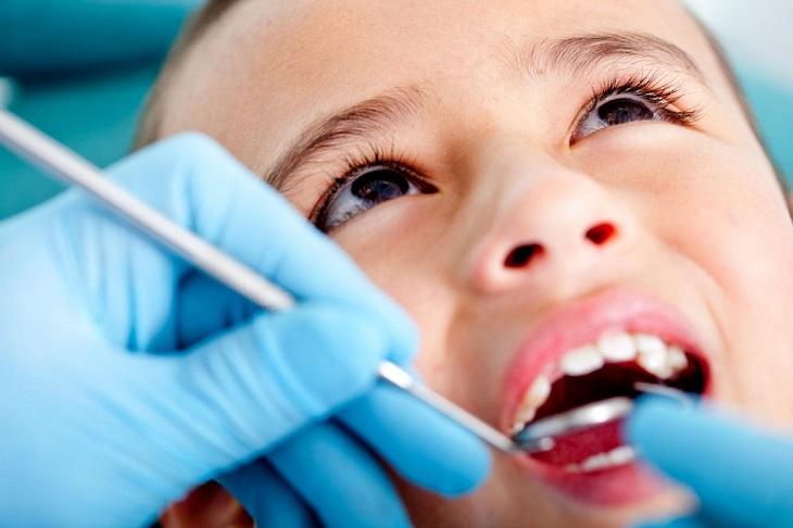 Tái khoáng là phương pháp trị sâu răng cho bé đơn giản