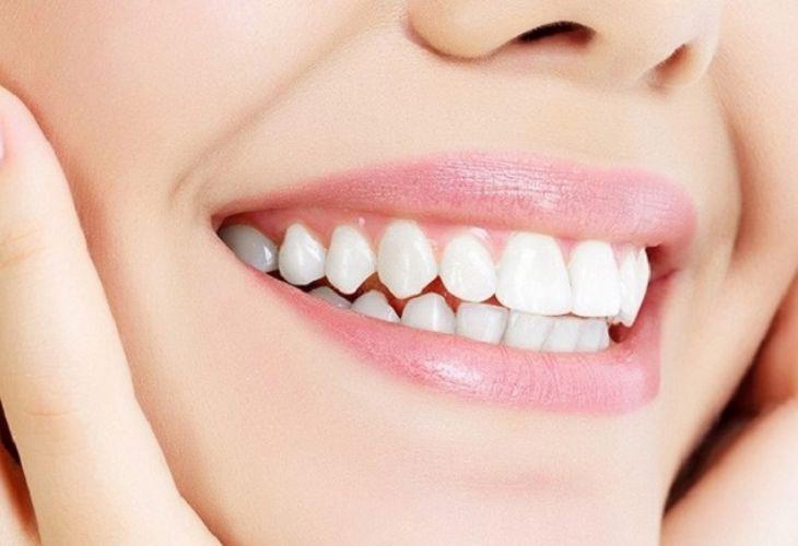 Trồng răng bắc cầu giúp bạn lấy lại sự tự tin khi cười