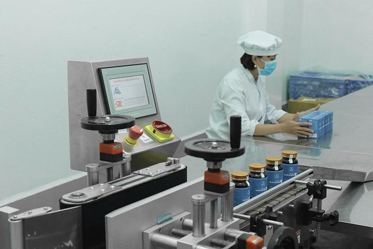 Hoàn Nguyên được sản xuất tại nhà máy đạt chuẩn GMP-WHO