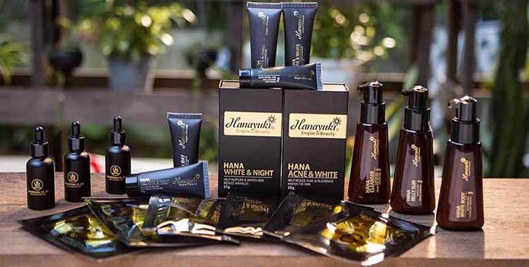 Chọn mua bộ sản phẩm trị mụn hanayuki tại cửa hàng phân phối trực tiếp hoặc thông qua các kênh bán hàng trên mạng