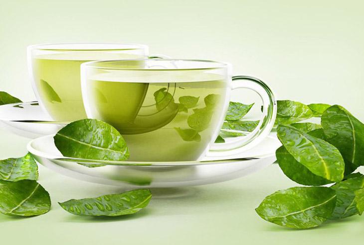 Trà xanh có nhiều công dụng tuyệt vời cho sức khỏe và làm đẹp, cũng là cách làm trắng da bị sạm nắng hiệu quả