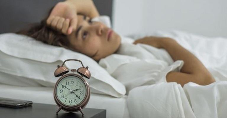 Mất ngủ khiến cơ thể dễ rơi vào trạng thái mệt mỏi