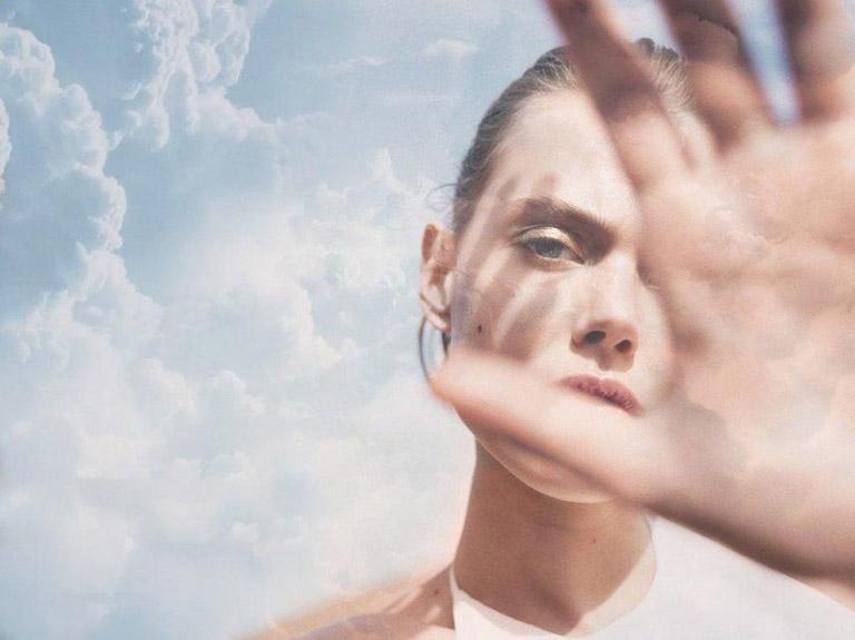 Cần bảo vệ làn da khỏi ánh nắng mặt trời trong suốt quá trình điều trị mụn
