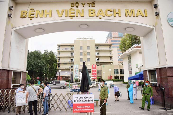 Bệnh viện Bạch Mai với đội ngũ y bác sĩ có trình độ và chuyên môn cao