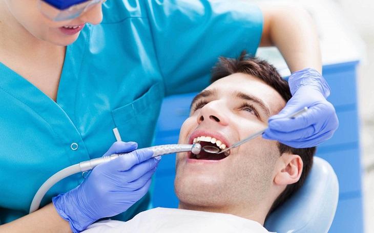 Chi phí niềng răng nhổ răng số 8 còn tùy thuộc vào tình trạng của từng người