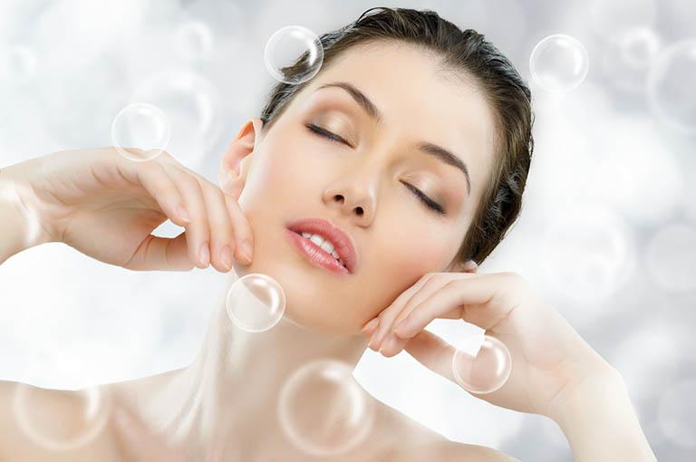 Kem Retin A có khả năng cải thiện nhiều vấn đề trên da như mụn, nếp nhăn, thâm nám,...