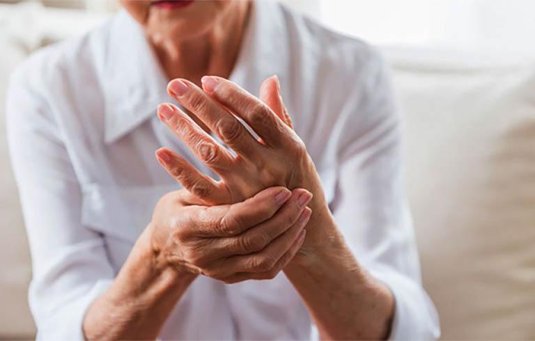Tuổi tác càng cao thì nguy cơ bị bệnh phong thấp cũng gia tăng