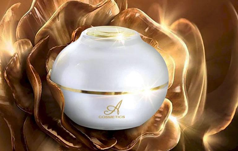Kem Face Pháp là sản phẩm dưỡng da cao cấp của thương hiệu Mỹ Phẩm Phương Anh với mẫu mã khá bắt mắt