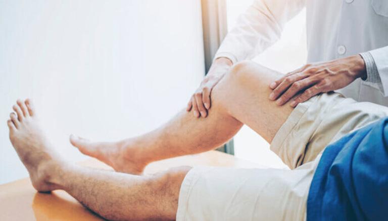 Thăm khám chuyên khoa để được bác sĩ tư vấn phương pháp điều trị phù hợp với mức độ bệnh trạng