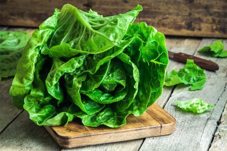Người bị mụn nhọt nên ăn nhiều rau xanh để tăng cường sức đề kháng da và giảm viêm nhiễm