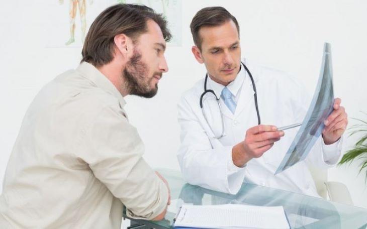 Người bệnh cần tuân thủ phác đồ điều trị viêm tiền liệt tuyến bác sĩ đưa ra
