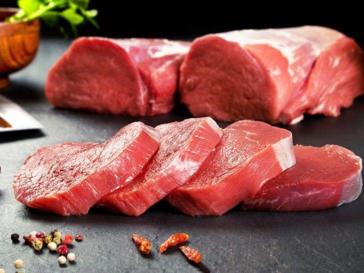 Thịt đỏ là thực phẩm người bị phì đại tuyến tiền liệt nên tránh