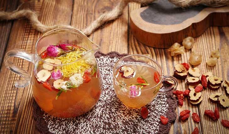 Hãm với mật ong tạo thành trà có lợi cho sức khỏe