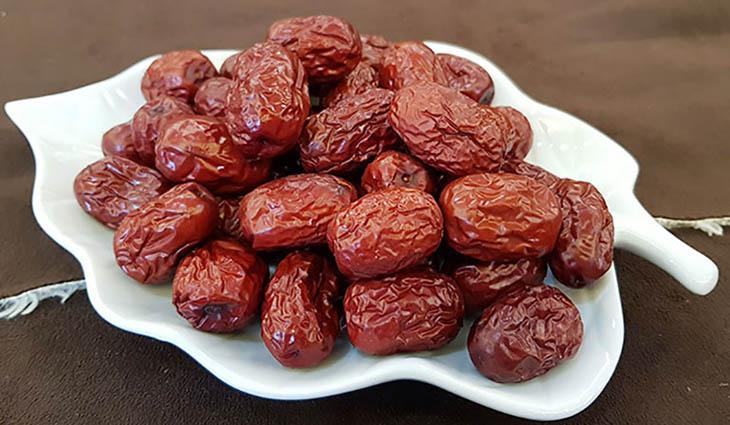 Táo đỏ có rất nhiều dưỡng chất tốt cho sức khỏe