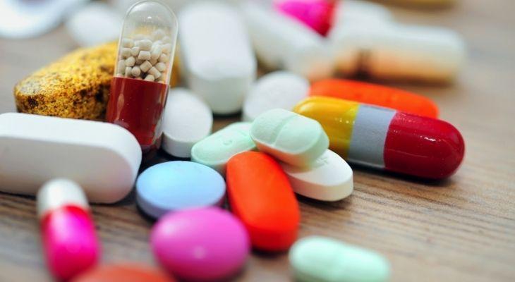 Lạm dụng thuốc kháng sinh cũng là một trong những nguyên nhân gây ra bệnh