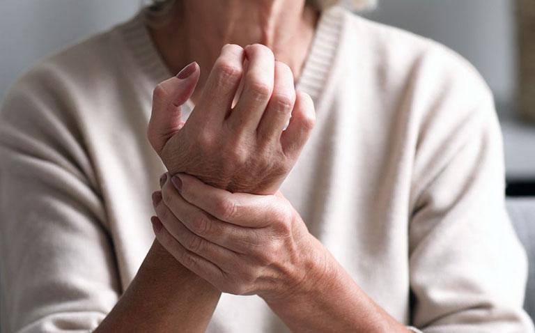 triệu chứng bệnh viêm khớp dạng thấp