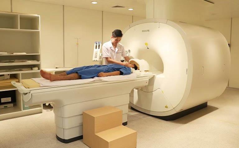 Người bệnh sẽ được chỉ định làm một số xét nghiệm cần thiết trước khi tiến hành phẫu thuật