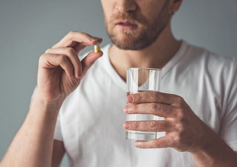 Dùng thuốc Tây y điều trị bệnh viêm cột sống dính khớp là phương pháp được áp dụng phổ biến