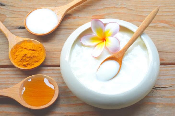 Cách chăm sóc tóc bằng mật ong và sữa chua