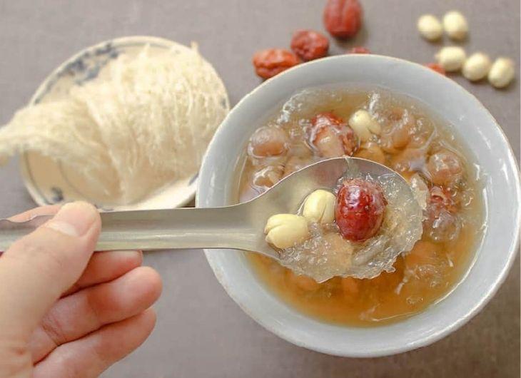 Chè tổ yến hạt sen rất tốt cho người cao huyết áp