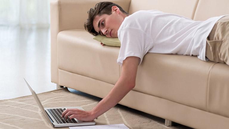 Thói quen lười vận động là một trong những nguyên nhân đẩy nhanh tốc độ thoái hóa khớp