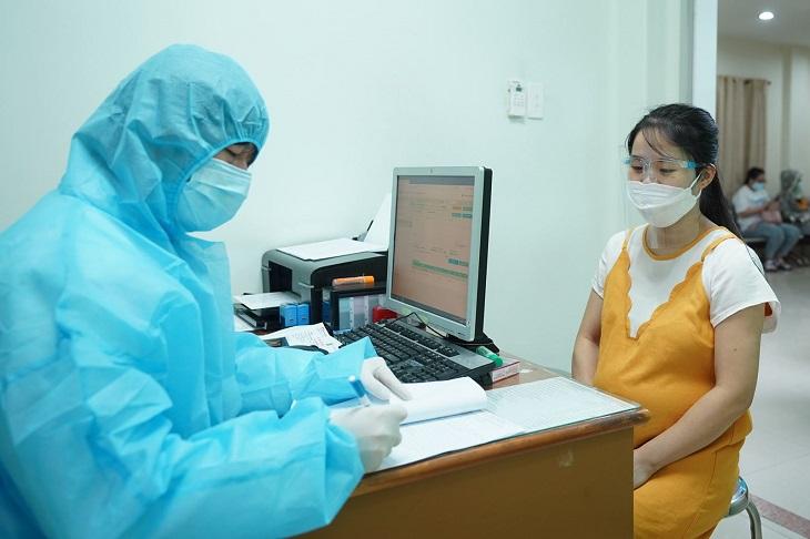 Chống chỉ định tiêm vaccine Sputnik V cho phụ nữ có thai và cho con bú