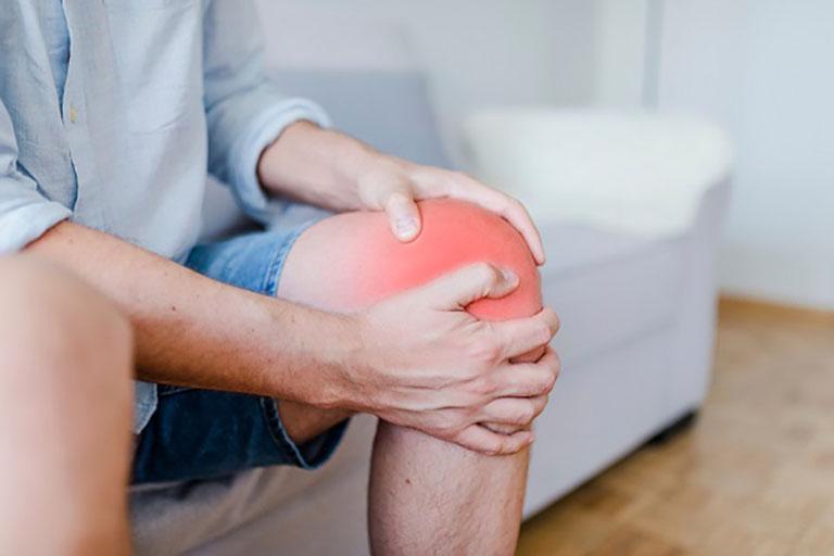 Thoái hóa khớp gối khiến khả năng vận động của người bệnh bị ảnh hưởng đáng kể