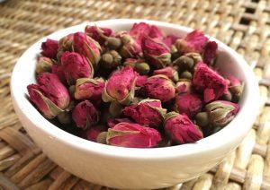 Sử dụng trà hoa hồng