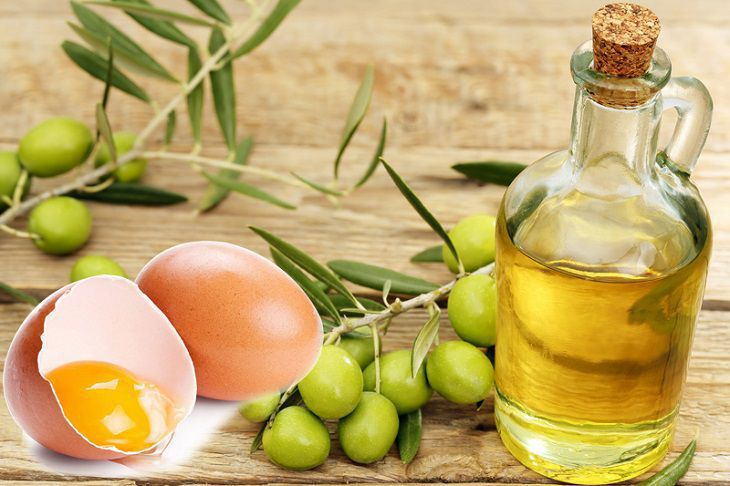Cách dưỡng tóc bằng trứng gà và dầu oliu